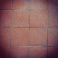 What are the characteristics of red terracotta?