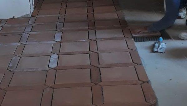posa in opera quadri da 30 con losanga